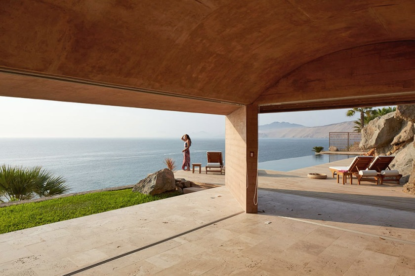 C3 House by Studio Barclay & Crousse 04