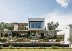 Casa Vara by Caprini & Pellerin Architectes 01