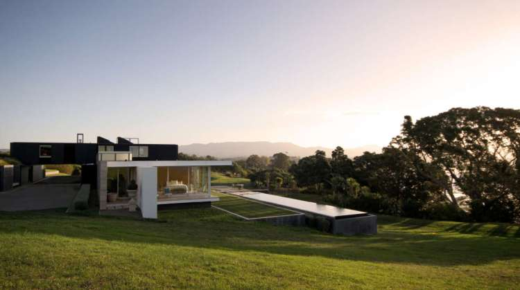 Crawshaw House by Warren and Mahoney Architects 01