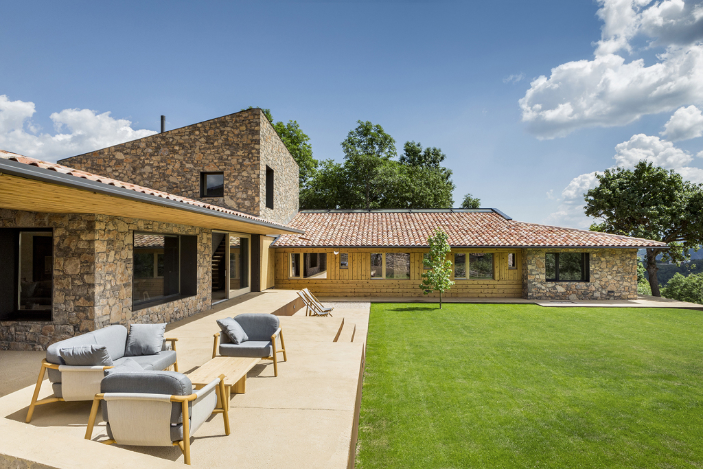 House in la Cerdanya by DomArquitectura