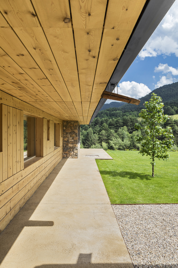 House in la Cerdanya by Dom Arquitectura 06