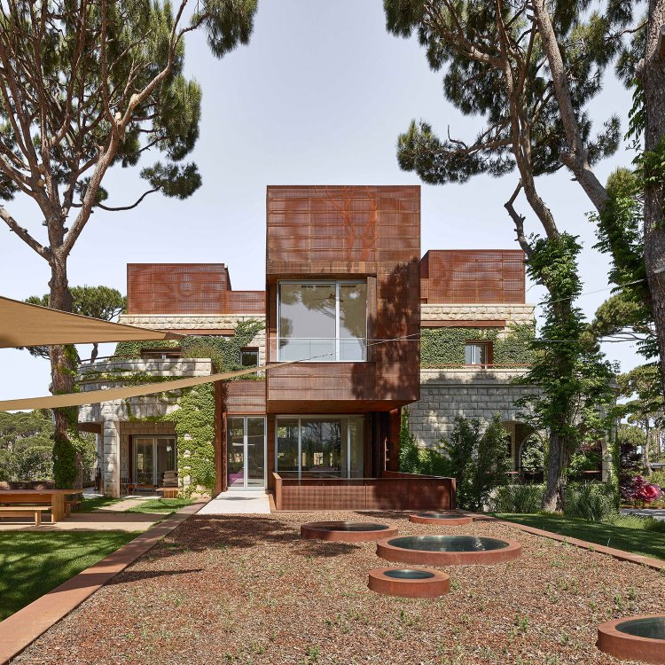 J House by Nabil Gholam Architects 01