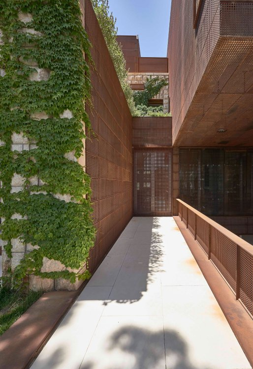 J House by Nabil Gholam Architects 08
