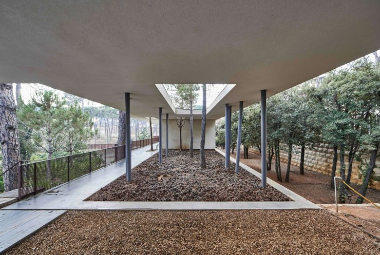 J House by Nabil Gholam Architects 14