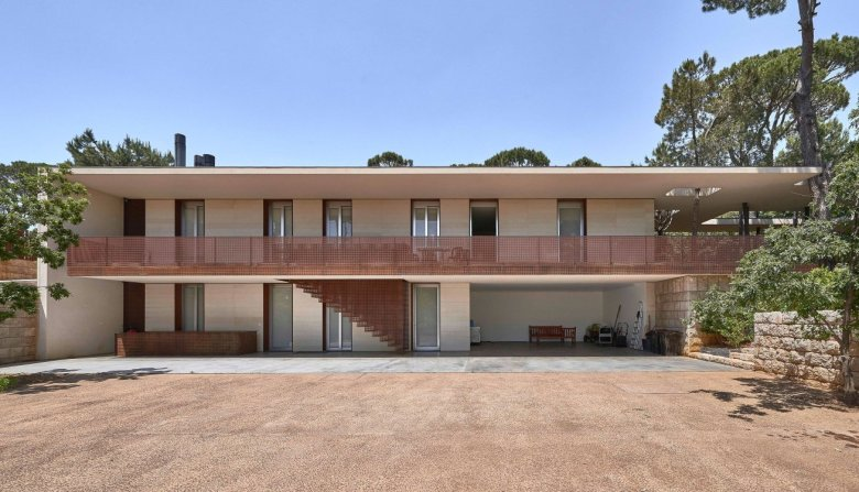 J House by Nabil Gholam Architects 16