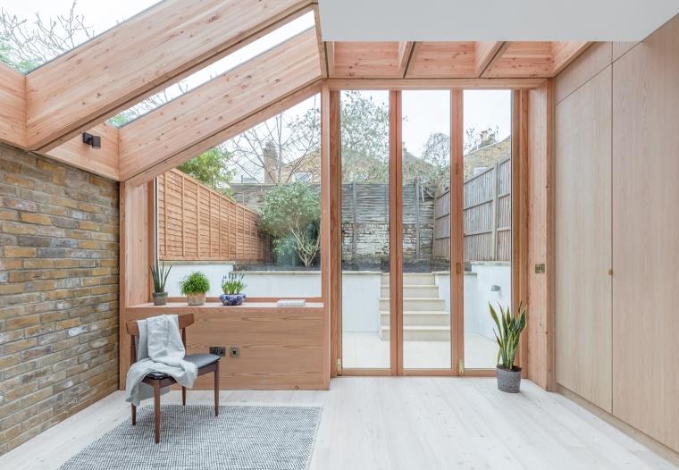 Larch House by Nicholas Szczepaniak Architects 01