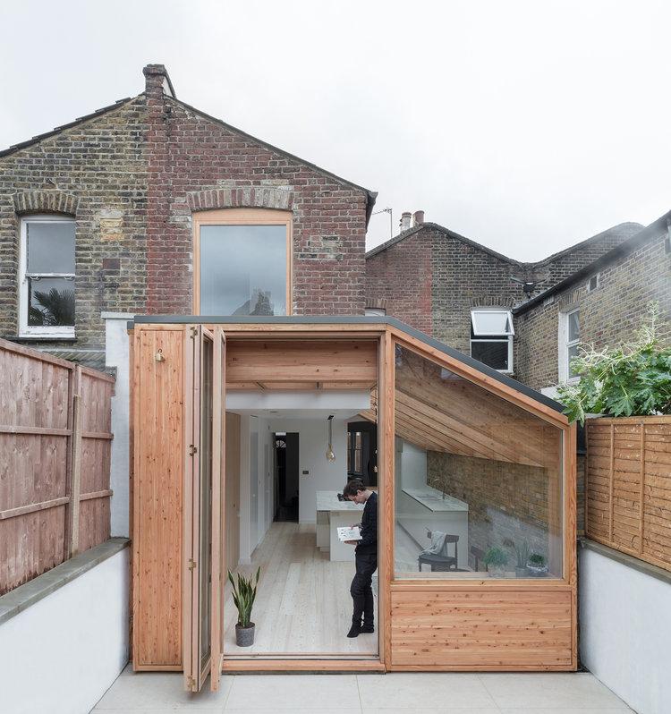 Larch House by Nicholas Szczepaniak Architects 03