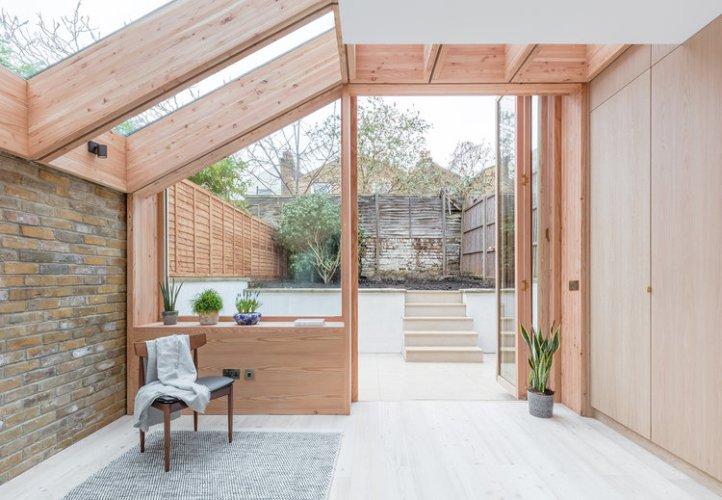 Larch House by Nicholas Szczepaniak Architects 05