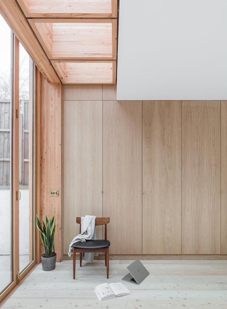 Larch House by Nicholas Szczepaniak Architects 08
