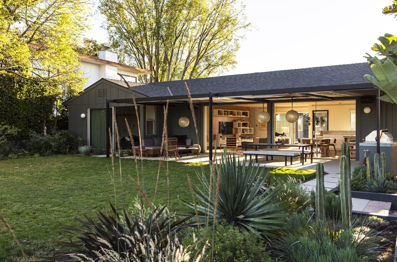 Sunswept Drive by Bestor Architecture 01
