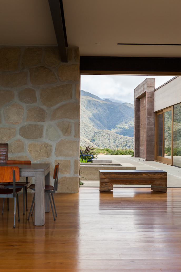 Toro Canyon House by Bestor Architecture 02