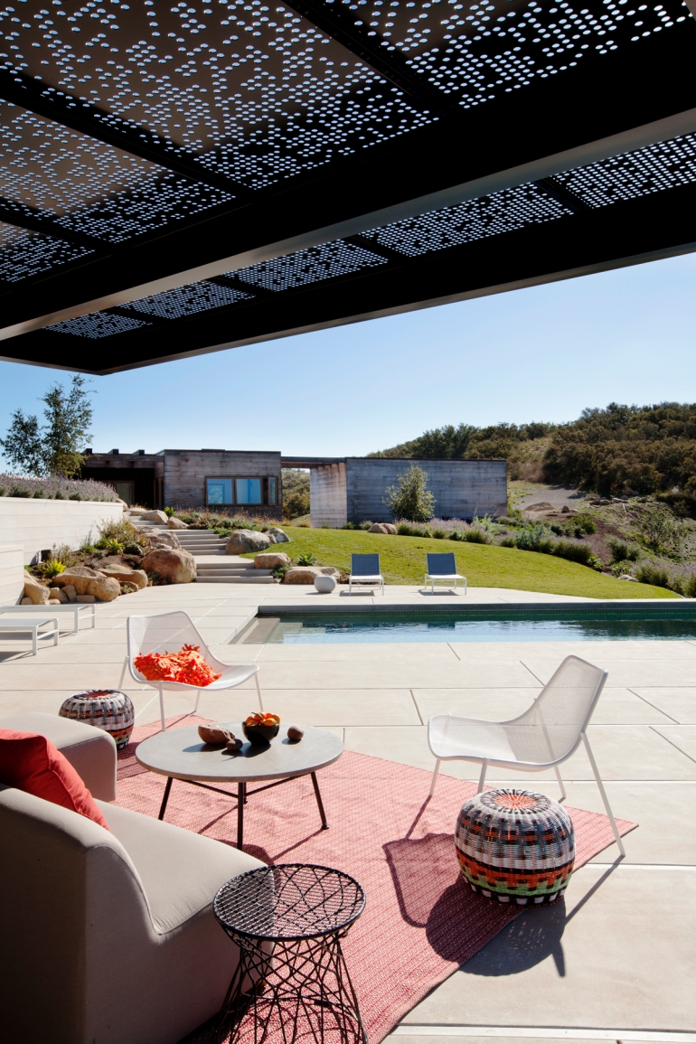 Toro Canyon House by Bestor Architecture 08