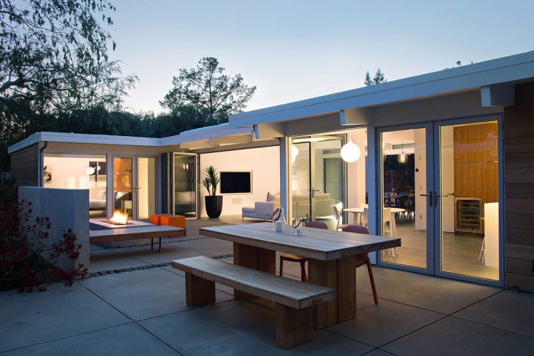 Truly Open Eichler House by Klopf Architecture 02