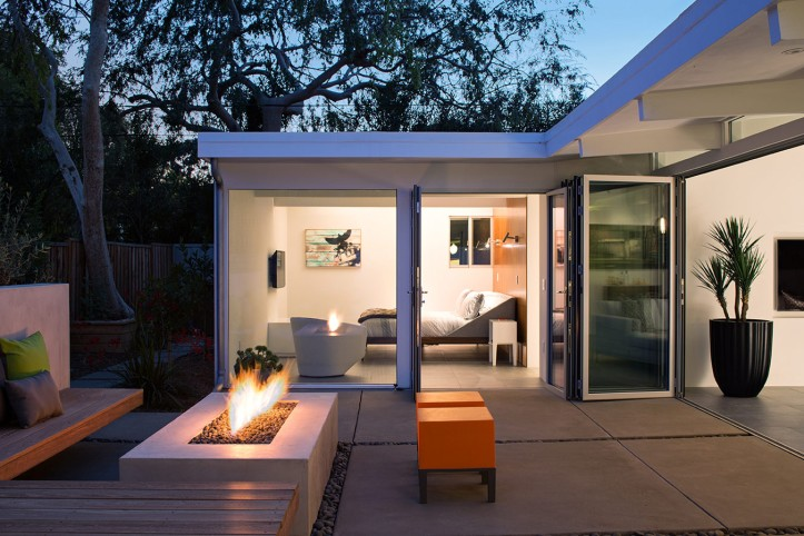 Truly Open Eichler House by Klopf Architecture 03