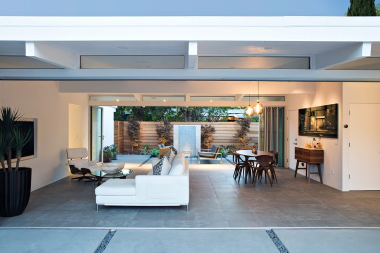 Truly Open Eichler House by Klopf Architecture 04