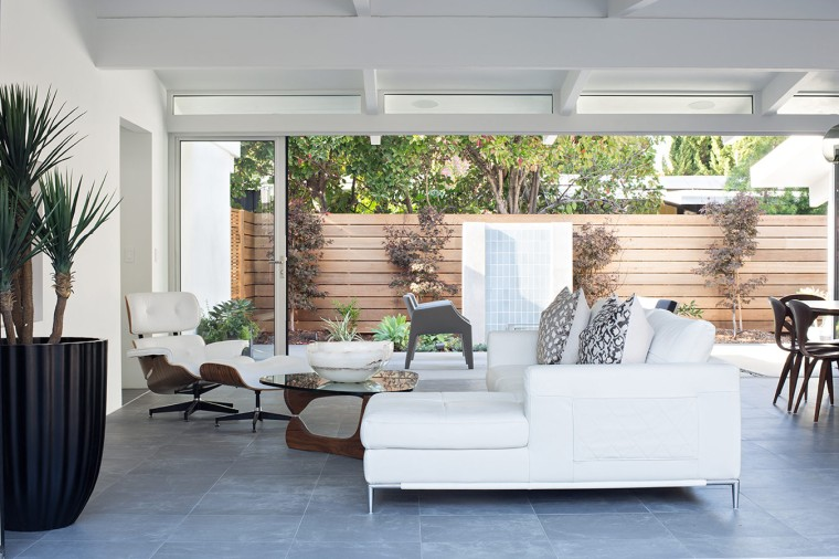 Truly Open Eichler House by Klopf Architecture 09