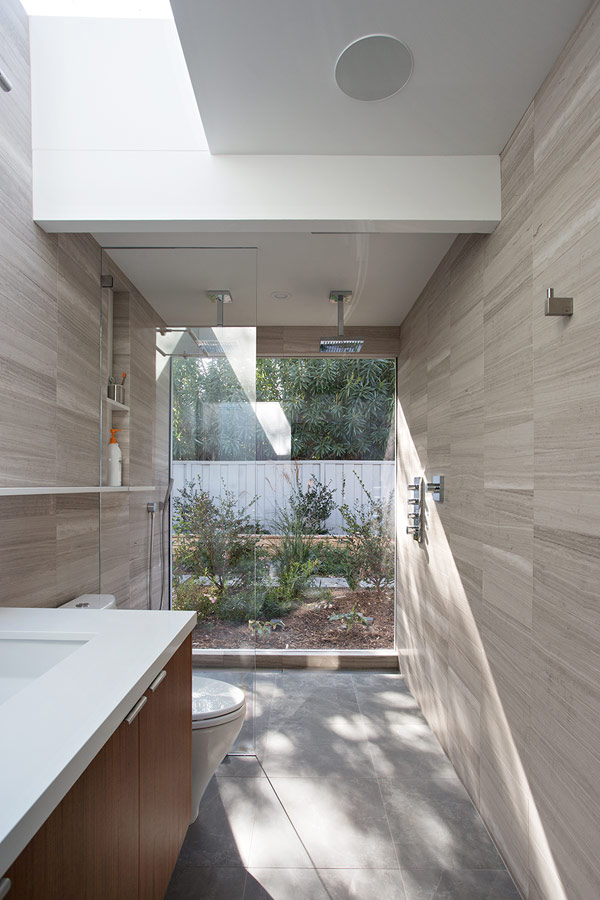 Truly Open Eichler House by Klopf Architecture 10