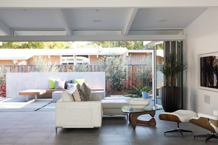 Truly Open Eichler House by Klopf Architecture 11
