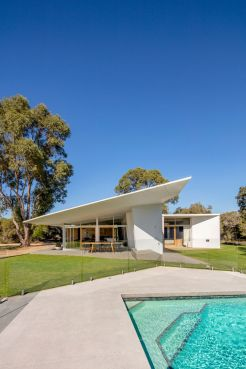 Bartram Residence by Mountford Architects 01