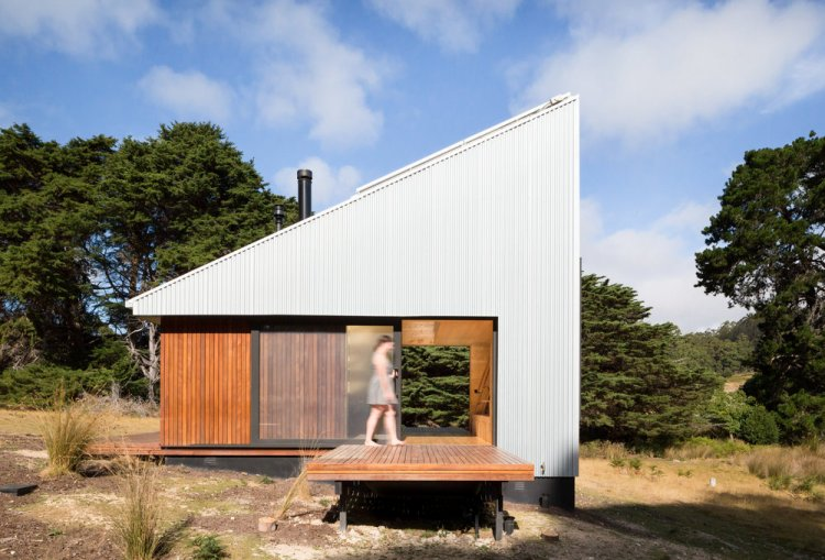 Bruny Island Hideaway by Maguire + Devine Architects 01
