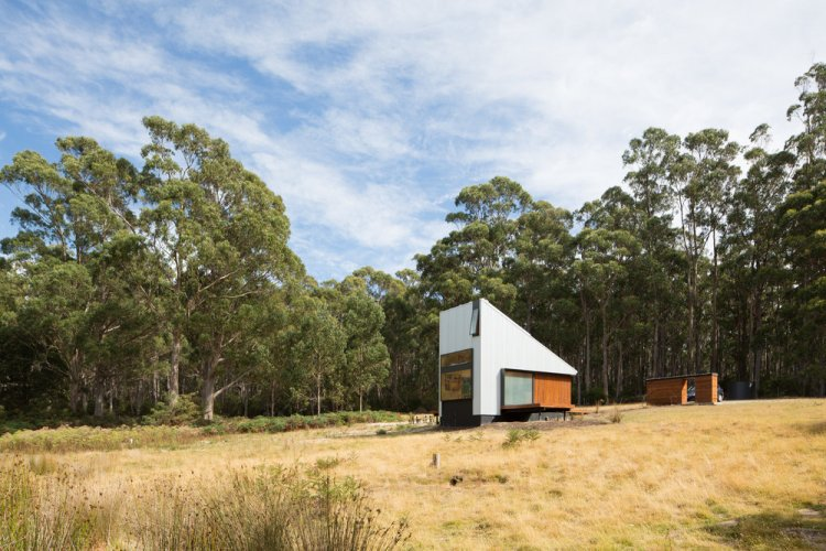 Bruny Island Hideaway by Maguire + Devine Architects 07