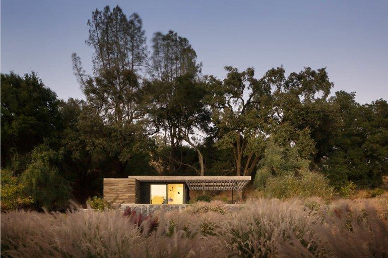 Dry Creek Pool House by Ro Rockett Design 03