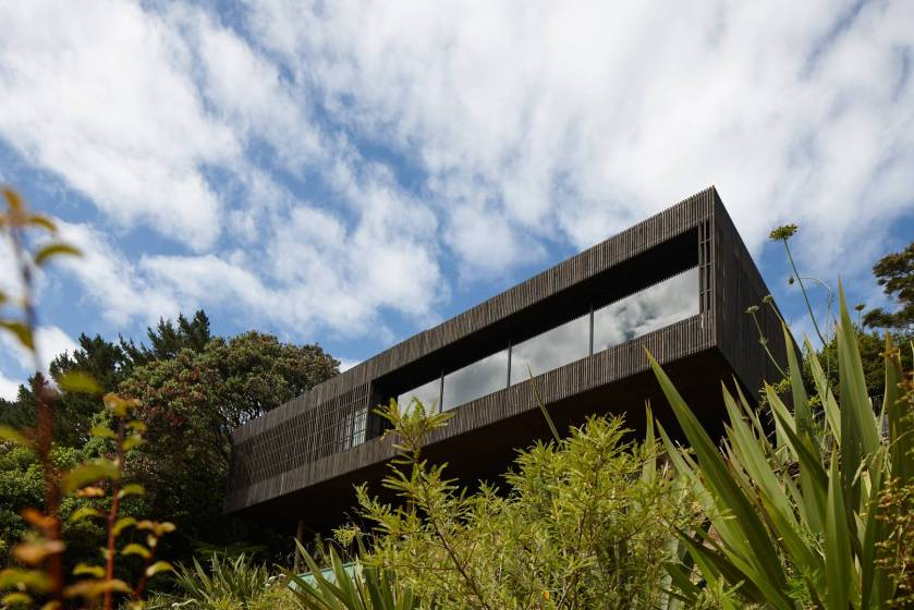 Lantern House Waiheke by Herbst Architects 01