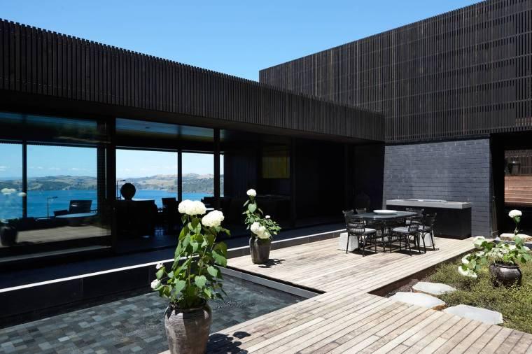 Lantern House Waiheke by Herbst Architects 02