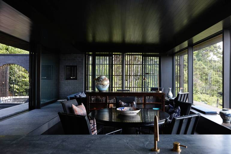 Lantern House Waiheke by Herbst Architects 08