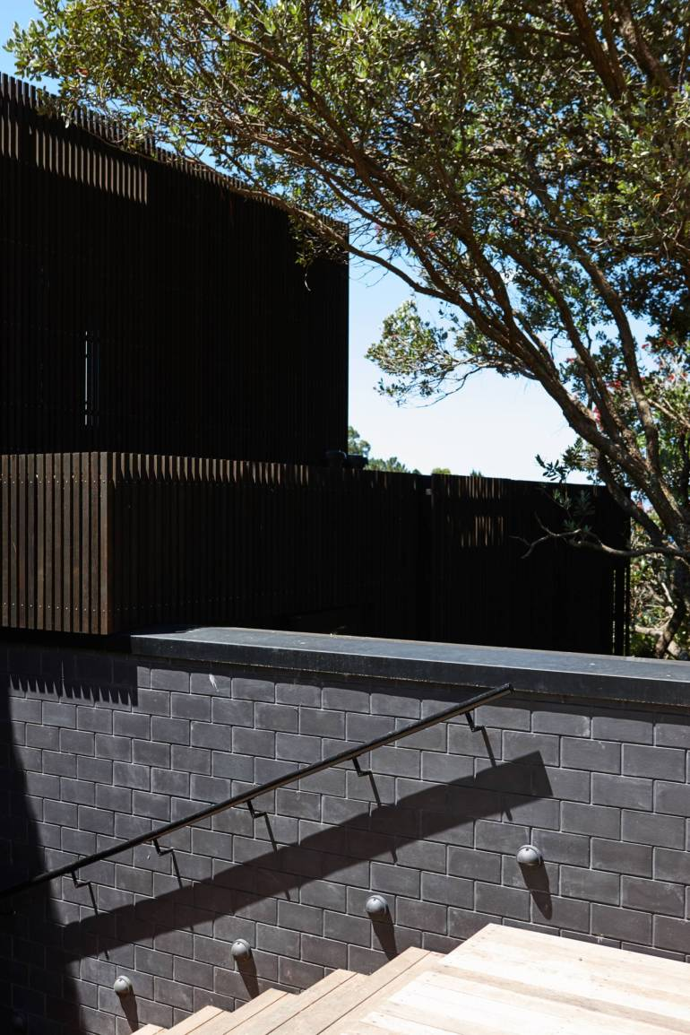 Lantern House Waiheke by Herbst Architects 16