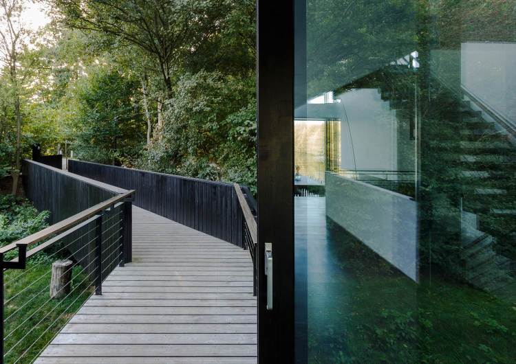 Glass Villa on the lake by Mecanoo Architects 02