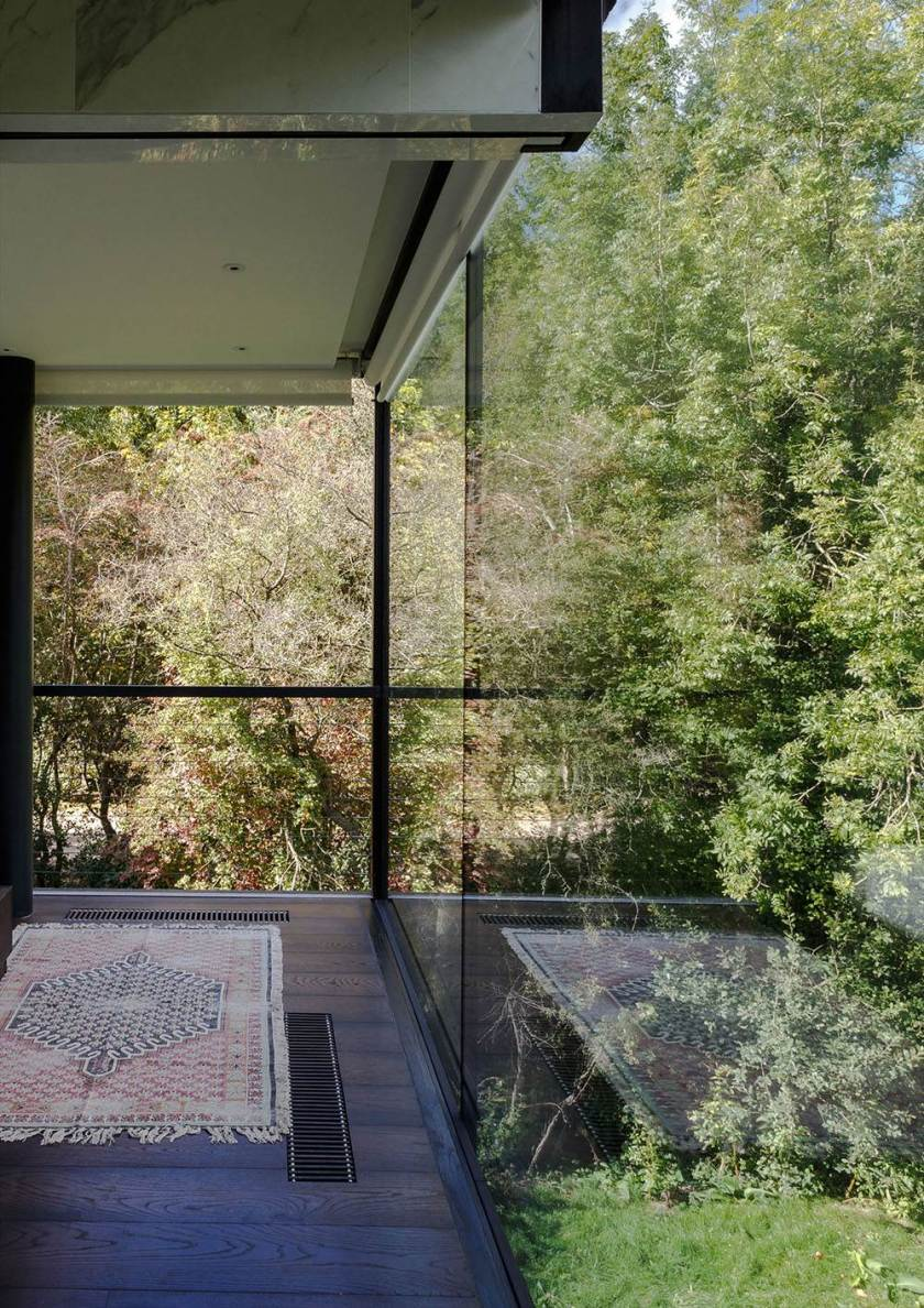 Glass Villa on the lake by Mecanoo Architects 09