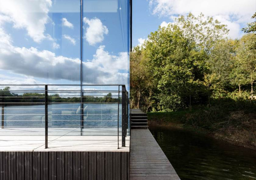Glass Villa on the lake by Mecanoo Architects 16