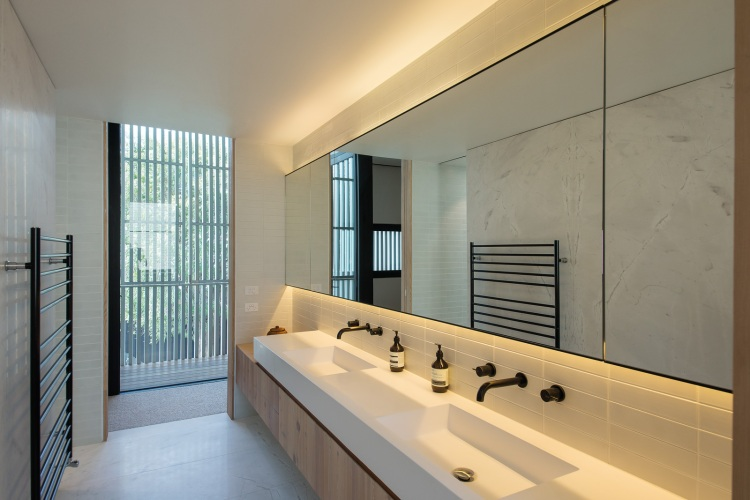 Hiding House by Jackson Clements Burrows Architects 05