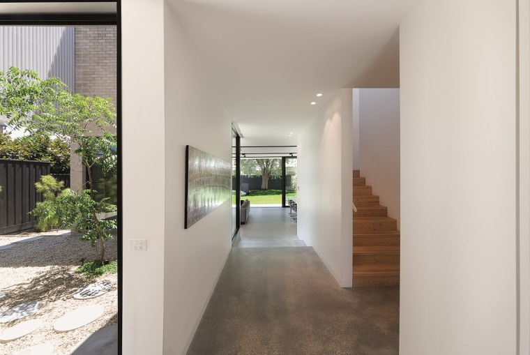 Hiding House by Jackson Clements Burrows Architects 13