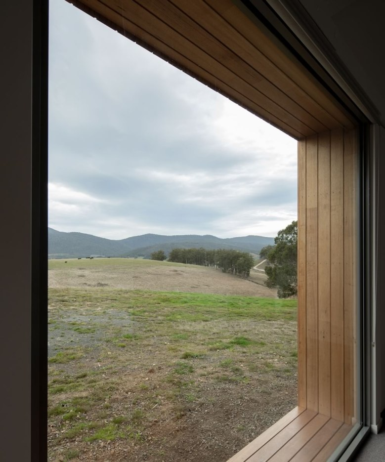 Huon Barn House by MG Architecture Interiors 11