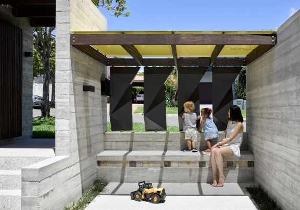 Tarragindi Steel House by Bligh Graham Architects 04
