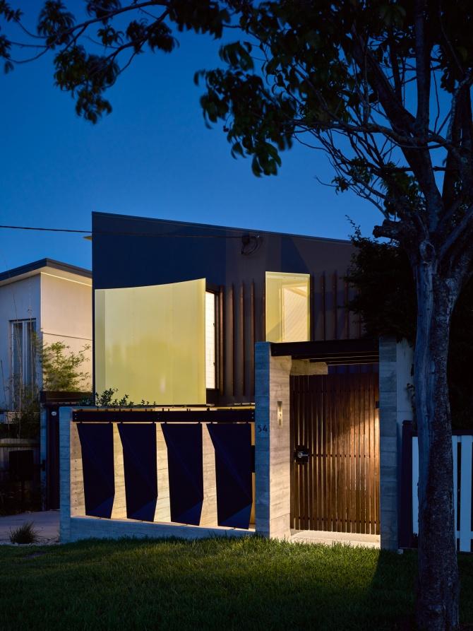 Tarragindi Steel House by Bligh Graham Architects 16
