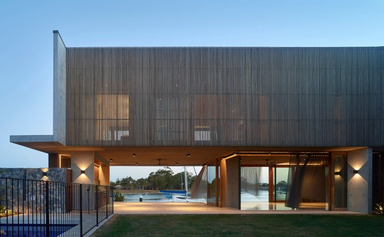 V_House by Shaun Lockyer Architects-01