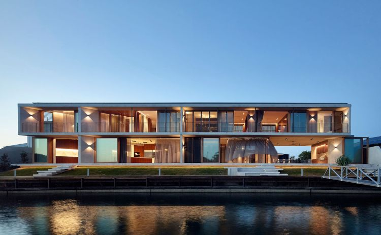 V_House by Shaun Lockyer Architects-02