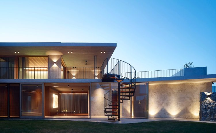 V_House by Shaun Lockyer Architects-03