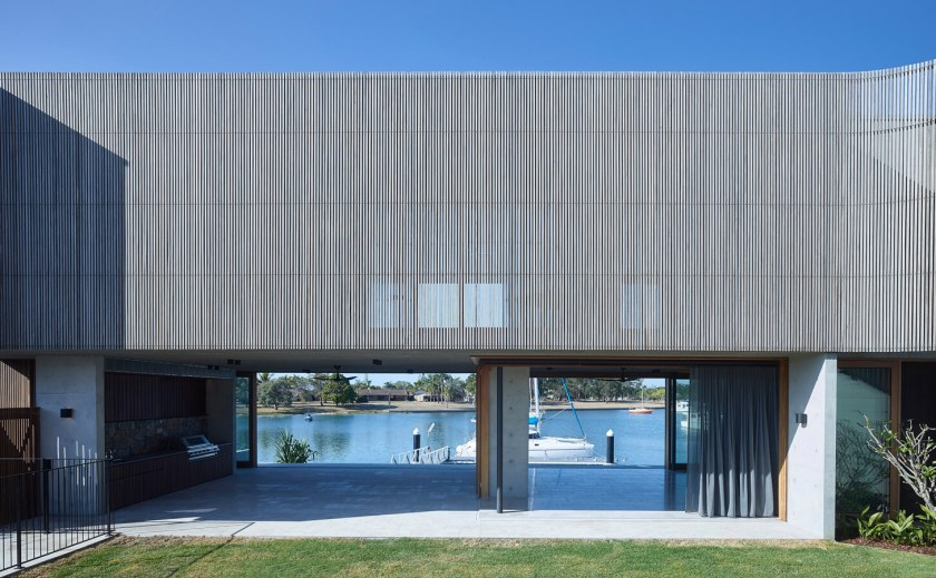 V_House by Shaun Lockyer Architects-06