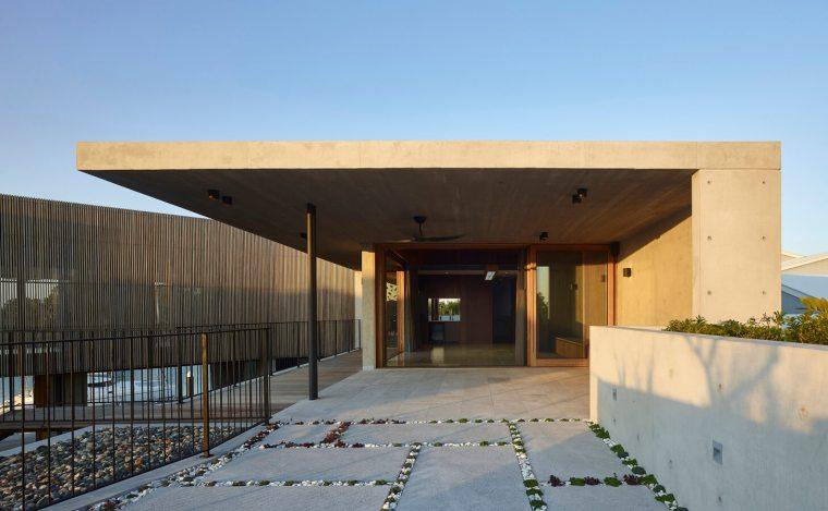 V_House by Shaun Lockyer Architects-08