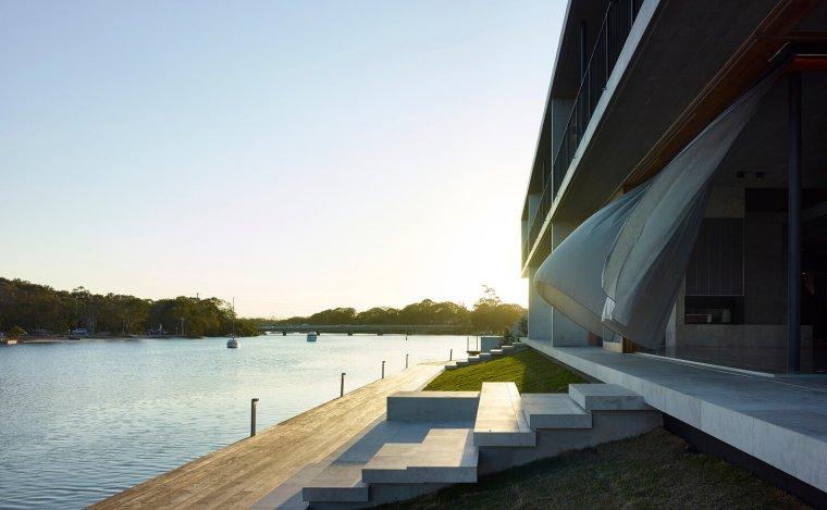 V_House by Shaun Lockyer Architects-09