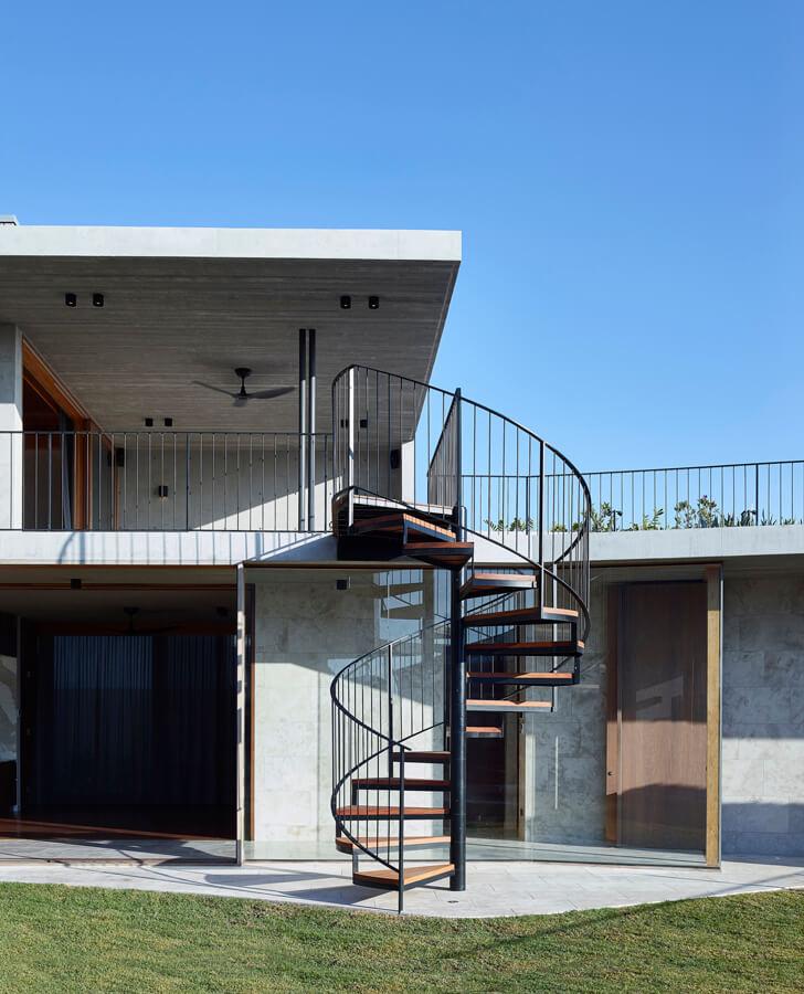 V_House by Shaun Lockyer Architects-11