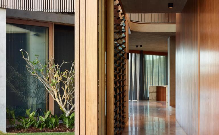 V_House by Shaun Lockyer Architects-12