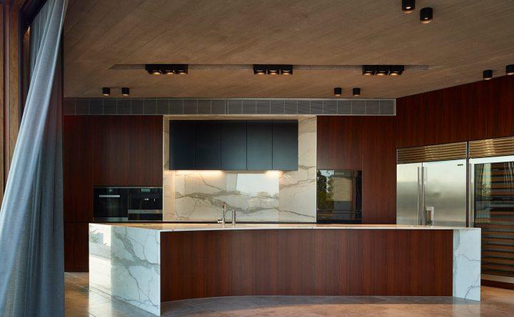 V_House by Shaun Lockyer Architects-15