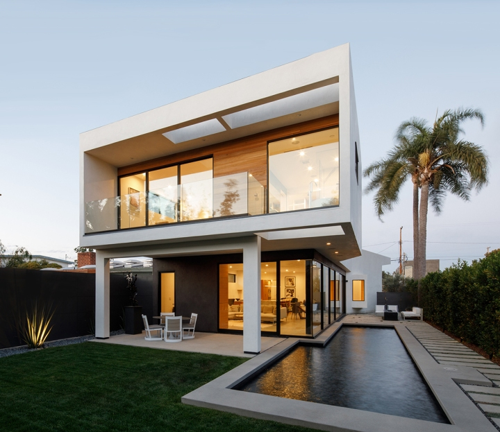 Venice Beach Residence by Griffin Enright Architects 01