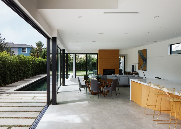 Venice Beach Residence by Griffin Enright Architects 05