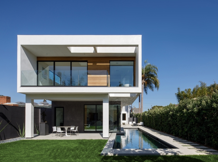 Venice Beach Residence by Griffin Enright Architects 07